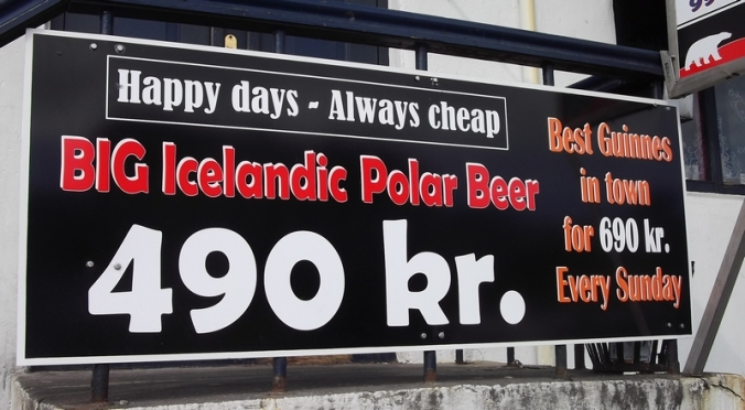 Ölsmiðjan bar, or Cheap bar